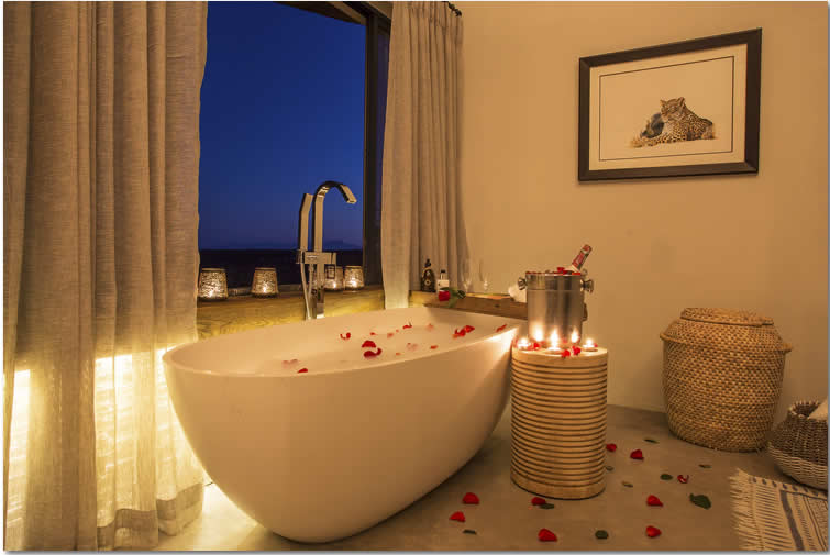 Misava Bathtub