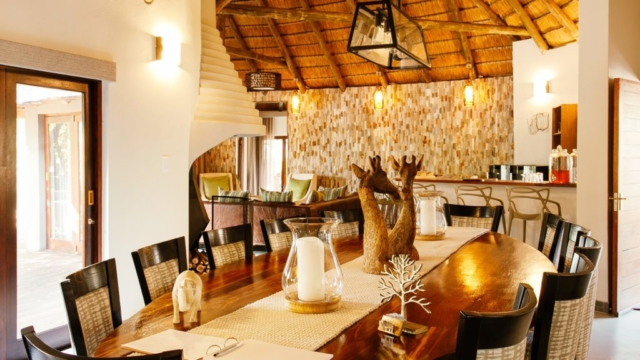 Tambuti Lodge Interior_2